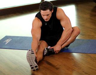 Растяжение мышц бедра