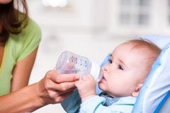 Сколько нужно воды для новорожденных?