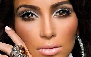Сочетание смуглой кожи и карих глаз