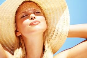 солнце, девушка в шляпе