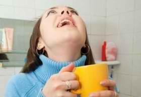 Лечение тонзиллита в домашних условиях полосканием