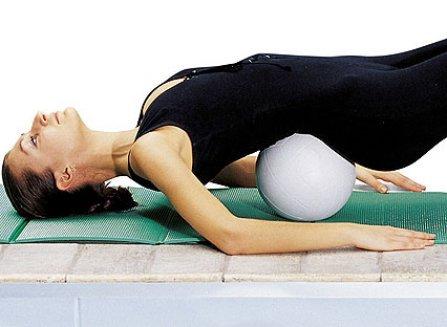 упражнение с мячом при остеохондрозе