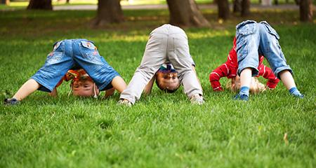 Развиваем малышей: утренняя гимнастика для детей