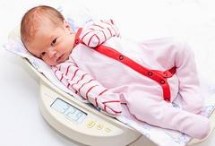 Прибавка в весе у новорожденных