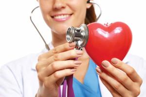 врач и пластиковое сердце