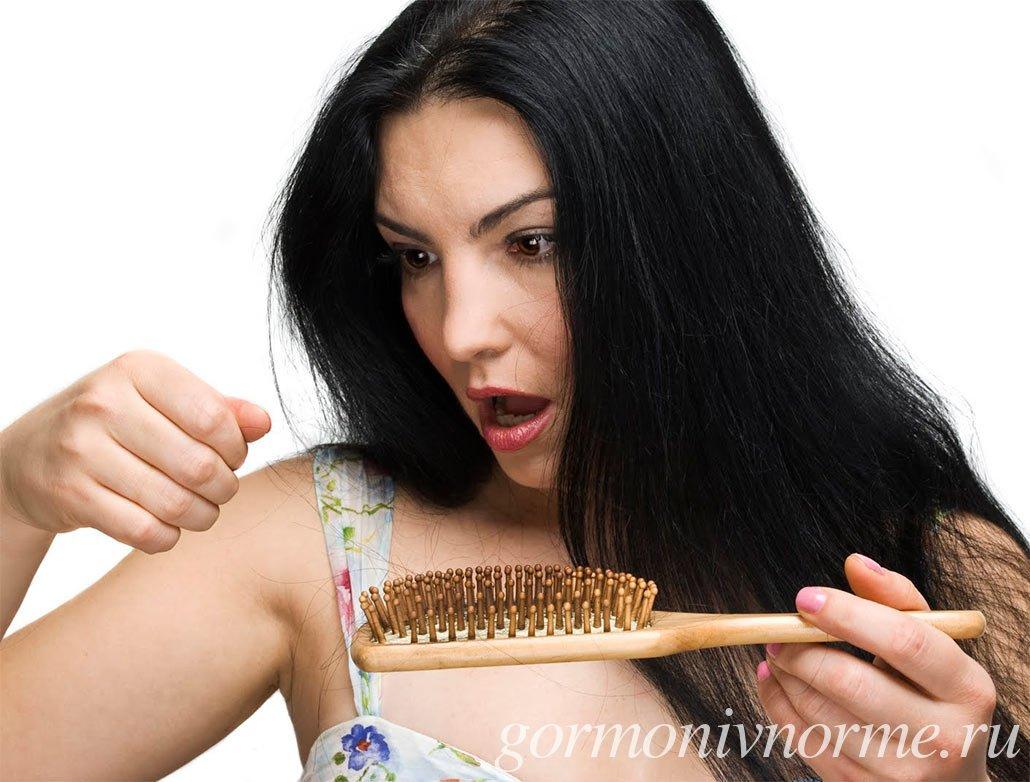 Выпадение волос у женщин из-за гормонального дисбаланса